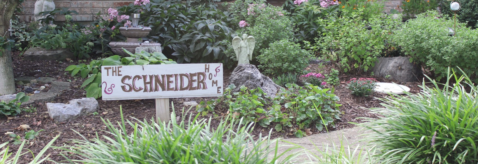 Congratulations Schneiders! August Garden of the Month!
